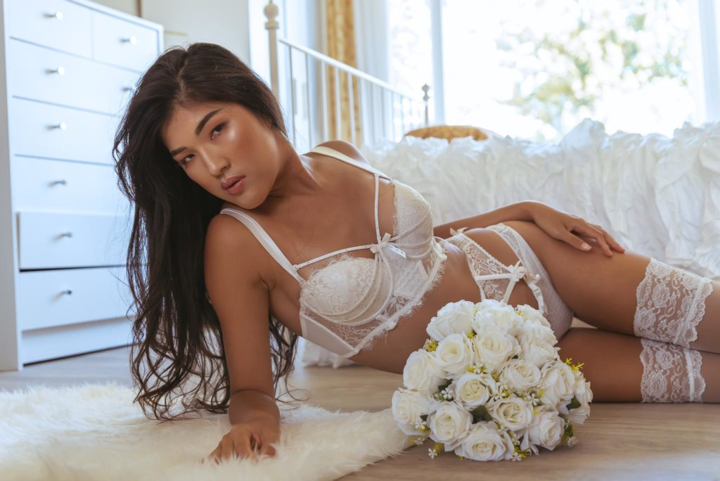 glam boudoir photographer